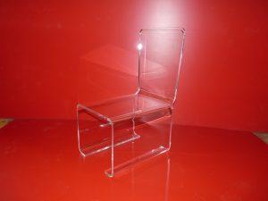 Chaise PMMA incolore